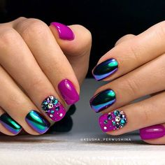 33 Best Chrome Beetle Design Nails 2018 Acrylic nail is often a prosthetic nail application. Chrome Nails Designs, Nail Art Designs, Elegant Nail Designs, Gorgeous Nails, Pretty Nails, Crome Nails, Nail Design Glitter, Nail Effects, Nagellack Trends
