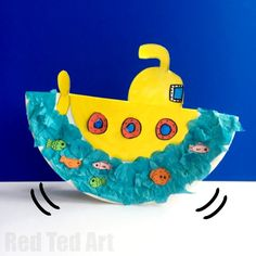 A fabulous ocean craft for preschoolers, is this rocking Paper Plate Submarine! Such a fun summer craft for you kids to make. Create a collage or use pens.
