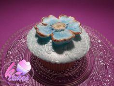 Flower Cupcakes, Cupcake Cakes, Facebook, Winter, Desserts, Blue, Food, Winter Time, Tailgate Desserts