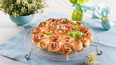Rezept Rosenkuchen mit Mozzarella, Basilikum und Zucchini