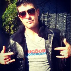 Robin Thicke speaks out against Russia's anti #LGBTQ law. Get your own Russian #loveconquershate shirt at loveconquershate.org. Net proceeds support LGBTQ advocates in Russia