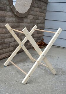 Maybe I can use this frame to make a doll changing table for Mackenzie Diys, Baby Nursery Diy, Diy Baby, Small Space Interior Design, Diy Plant Stand, Macrame Design, Laundry Hamper, Baby Furniture, Baby Design