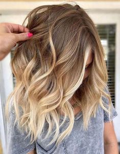 Modern Balayage Hair Color Style to wear In 2019 Delightful Hair Color Ideas fo. - - Modern Balayage Hair Color Style to wear In 2019 Delightful Hair Color Ideas for every young girls Source by Hair Color Highlights, Hair Color Balayage, Haircolor, Natural Blonde Balayage, Balayage Highlights, Medium Hair Styles, Curly Hair Styles, Fall Hair, Winter Hair