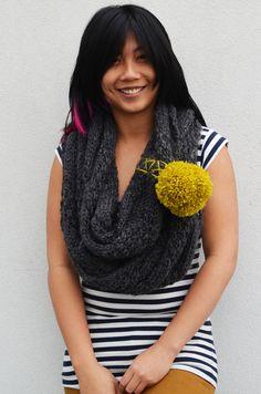 DIY: cowl scarf + pom pom