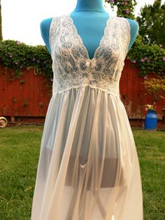 Shadow Line cream long night gown size large by Classyorsassy, $59.00