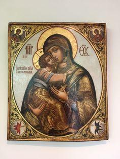 Russian Sacred Art: Connecting Heaven and Earth Orthodox Icons, Russian Art, Sacred Art, Heaven On Earth, Christianity, Catholic, Mona Lisa, Santa, God