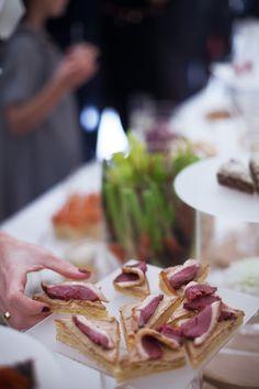 Cocktail déjeunatoire - mariage - bouchées - parisien - traiteur - mariage à domicile - original - sur-mesure - coloré - Yvelines