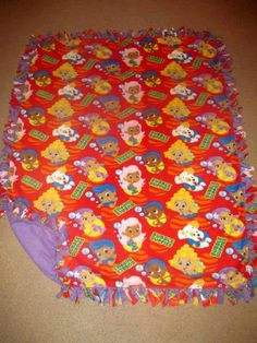 Bubble Guppies w/ Deep Lavender back Fleece Tie Blanket