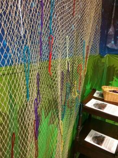 Creating a prayer net - a tactile way to pray that becomes a visual growing display - great for all age worship.  Clear instructions and background story.