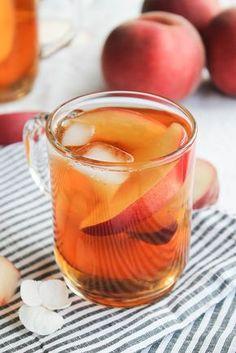 Thé glacé pêche et fleur d'oranger (thé noir, pêches, sirop d'agave, fleur d'oranger)