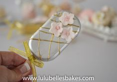 Cake Pops and Cakesicles Silver and gold decroated cakesickle Unicorn Cake Pops, Magnum Paleta, Cake Pop Decorating, Spring Cupcakes, Ice Cream Pops, Ice Cake, Birthday Candy, Candy Favors, Chocolate Covered Strawberries