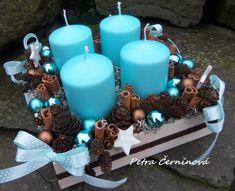 20 x 20 cm Christmas Advent Wreath, Christmas Svg, Christmas Candles, Christmas Centerpieces, Christmas Crafts For Kids, Winter Christmas, Christmas Tree Decorations, Christmas Time, Turquoise Christmas
