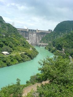 Bhakra Dam is a concrete gravity dam across the Sutlej River, and is near the border between Punjab and Himachal Pradesh in northern India.