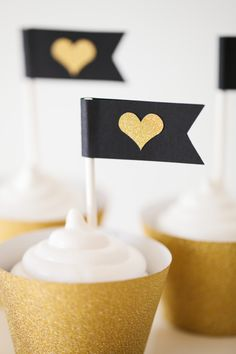 Cricut Explore | Heart of Gold Party designed by The TomKat Studio - Cupcake Wrappers + Flags http://www.thetomkatstudio.com/cricutexploreparty/