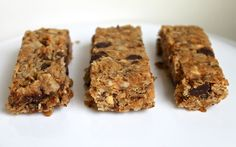 Chewy and Crispy Peanut Butter Chocolate Chip Granola Bars