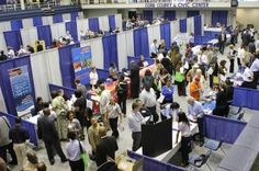 How to Find a Job via Virtual Career Fairs Virtual Jobs, Hunter College, Job Fair, Marketing Jobs, Job Opening, Parenting Teens, Find A Job, Learn English, English Tips