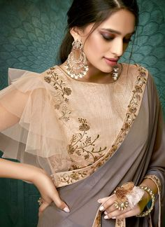 Products Brown Georgette Plain Saree mit Designer-Bluse What To Look For When Buying Gold Jewelry Go Choli Blouse Design, Saree Blouse Neck Designs, Fancy Blouse Designs, Bridal Blouse Designs, Saree Blouse Models, Net Saree Blouse, Mehndi Designs, Saris, Collection Eid
