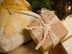 burlap lace to wrap gifts.