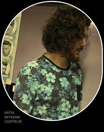 Katia Miyazaki Coiffeur - Salão de Beleza em Floripa: corte em cabelo cacheado - cachos naturais - corte...
