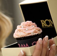 ROX Diamond Cupcake – $150000....it's a pretty cupcake, but seriously??! lol who would buy this?! Although if someone buys this for me, I'm not complaining!! =)