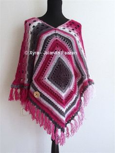 PATR1015 Xyra Haakpatroon poncho 2 squares by XyraCreaties