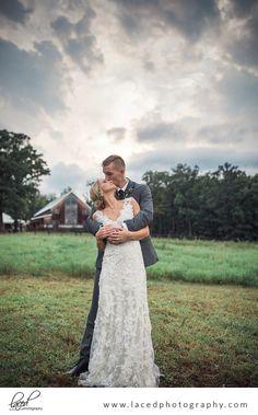 romantic barn wedding in the summer