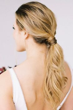 How classic and sexy is this ponytail? I always tell my girls when deciding on a style, to keep in mind you want to look back 10 years from now and still love your overall look. Whether that's a ponytail or a full updo, love it forever! Loose Hairstyles, Bride Hairstyles, Hairstyle Ideas, Hair Ideas, Hair And Makeup Artist, Hair Makeup, Sleek Ponytail, Elegant Ponytail, Bridal Braids