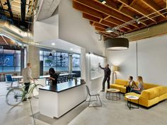 """M Moser Associates have designed the offices of nonprofit educational organization Teach For America, located in San Francisco, California. Teach For America's (""""TFA"""") regional hub has relocated into a single-tenant building… Corporate Office Design, Workplace Design, Office Interior Design, Office Interiors, Office Designs, Office Ideas, Office Fit Out, Cool Office Space, Office Lounge"""