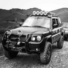 No photo description available. L200 4x4, Pajero Off Road, Pajero Io, Mitsubishi Pajero Sport, Suv 4x4, Tr 4, Grand Vitara, 4x4 Off Road, Nissan Patrol