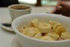 Smíchejte banány, med a vodu: Kašel a bronchitida nemají šanci Handmade Cosmetics, Snack Recipes, Snacks, Macaroni And Cheese, Cereal, Chips, Health Fitness, Breakfast, Ethnic Recipes