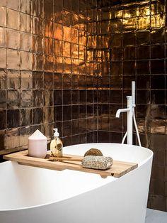 vtwonen tegels by Douglas & Jones - Douglas & Jones Unusual Bathrooms, Chic Bathrooms, Dream Bathrooms, Beautiful Bathrooms, Bathroom Inspiration, Home Decor Inspiration, Bathroom Interior Design, Interior Decorating, Brown Decor