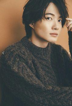 神木隆之介君 Asian Cute, Japanese Boy, Asian Hotties, Beautiful Love, Cute Faces, Asian Men, Film Photography, Actors & Actresses, Sexy Men