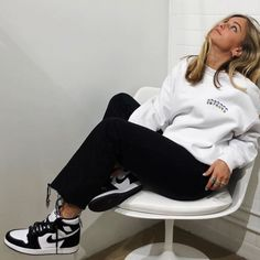 Fashion For Youth ( Cute Comfy Outfits, Edgy Outfits, Mode Outfits, Retro Outfits, Fashion Outfits, School Outfits, Jordan Outfits Womens, Mode Ootd, Mode Inspiration