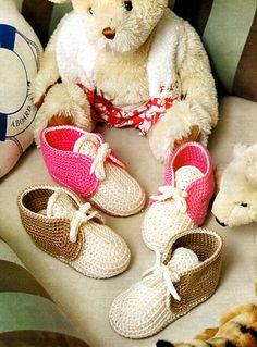 tejidos artesanales en crochet: botitas acordonadas tejidas en crochet