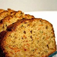 Whole Wheat Zucchini Or Carrot Bread Recipe - Replace zucchini or carrots with veggie pulp Carrot Zucchini Bread, Carrot Bread Recipe, Banana Bread Recipes, Carrot Muffins, Juicer Pulp Recipes, Whole Food Recipes, Cooking Recipes, Delicious Desserts, Yummy Food