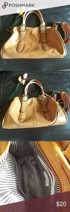 Mondani NY Faux Leather Satchel Mondani NY Faux Leather Satchel Used once, pristine condition inside and out. Comes with removable strap; inside zipper pocket and 2 side pockets. Lovely casual bag Bags Satchels