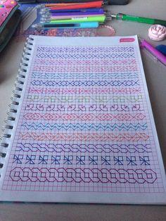 Graph Paper Drawings, Graph Paper Art, Easy Drawings, Blackwork Patterns, Doodle Patterns, Cross Stitch Patterns, Kasuti Embroidery, Embroidery Stitches, Easy Doodle Art
