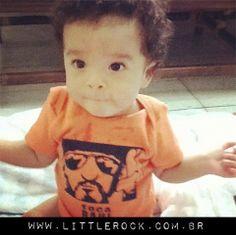 O baby da Gabriela de 6 meses usando o body do Raulzito! #LittleRock