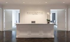 Dale Capital Partners ~ Bear-Hill Interiors, photography by Nancy Nolan Interior Design Books, Interior Design Photos, Wallpaper Interior Design, Interior, Salon Interior Design, Interior Design Images, Interior Design Software, Office Interiors, Clinic Interior Design