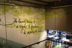 Design mural monumental pour le restaurant Manora au Centre Manor Chavannes en Suisse