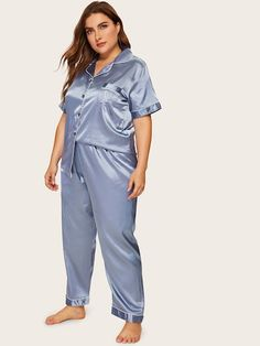 To find out about the Plus Contrast Binding Satin Pajama Set at SHEIN, part of our latest Plus Size Pajama Sets ready to shop online today! Plus Size Winter Outfits, Plus Size Fashion For Women, Fashion Tips For Women, Plus Size Outfits, Plus Size Pajamas, Cute Pajamas, Pajamas Women, Satin Pyjama Set, Satin Pajamas