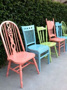 Custom Color Vintage Dining Chairs, Set of Mix and Match, Vintage Chairs, Spindle Chairs, Shabby Chic Kitchen Chairs (Los Angeles) Shabby Chic Kitchen Chairs, Vintage Dining Chairs, Chaise Vintage, Old Chairs, Dining Chair Set, Shabby Chic Decor, Vintage Furniture, Wooden Chairs, Dining Room