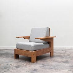 """Alvorada"" armchair designed by Carlos Motta available at ESPASSO. Suited for both indoor and outdoor spaces. Diy Furniture, Furniture Design, Outdoor Furniture, Patio Chairs, Outdoor Chairs, Wooden Chair Plans, Wooden Sofa Designs, Small Apartment Bedrooms, Furniture Collection"