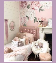 Cute Shabby Chic Home Decoration Ideas That You Can Try : - Are you looking to redo your home décor? You might take a moment to consider the shabby chic home décor style. This style is popularized by designers . Shabby Chic Headboard, Shabby Chic Bedrooms, Shabby Chic Furniture, White Bedrooms, Unique Furniture, Shabby Chic Mode, Shabby Chic Kitchen, Shabby Chic Style, Shabby Chic Toddler Room