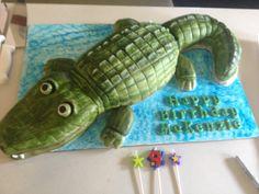 Beautiful cake and GOOOOOD too! 9th Birthday Cake, Birthday Ideas, Beautiful Cakes, Reptiles, Dinosaur Stuffed Animal, Birthdays, Toys, Party, Fun