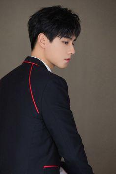 Actors Male, Cute Actors, Asian Actors, Actors & Actresses, K Pop, Yang Yang Actor, China Movie, Kdrama, Black Aesthetic Wallpaper