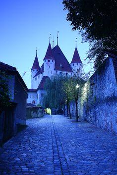 - Thun Castle - Swit
