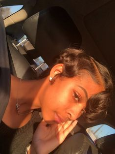 Image shared by tamia♡. Find images and videos about beautiful, skin and baddie on We Heart It - the app to get lost in what you love. Short Curly Hair, Short Hair Cuts, Curly Hair Styles, Natural Hair Styles, Short Relaxed Hair, Pretty Hairstyles, Wig Hairstyles, Haircuts, Big Chop Hairstyles