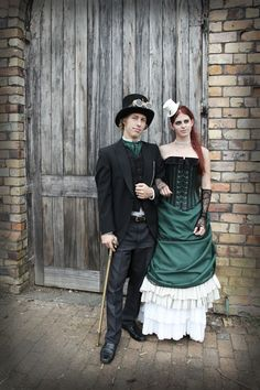 Google Image Result for http://www.gothicweddingplanner.com/wp-content/uploads/2012/05/steampunk-wedding-bridal-portrait1.jpg