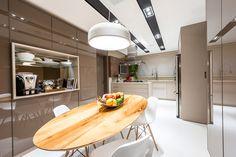 mesa-na-cozinha-de-apartamento-alto-padrão